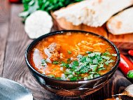 Класическа агнешка курбан чорба (супа) с месо от врат (плешка) и агнешки комплект (дреболии) без застройка